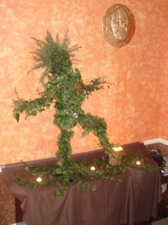 Dancing Ivy Man - made by Cyprian for the Men In the Moon dance on 8th 2nd 2009. Thanks to Cyprian for the photo